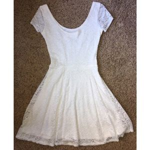 ABERCROMBIE LACE DRESS   S   GREAT CONDITION